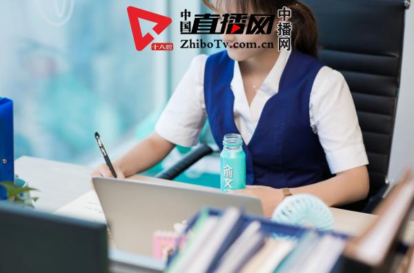 风靡上海的新品类饮料 俞文清燕窝水测评
