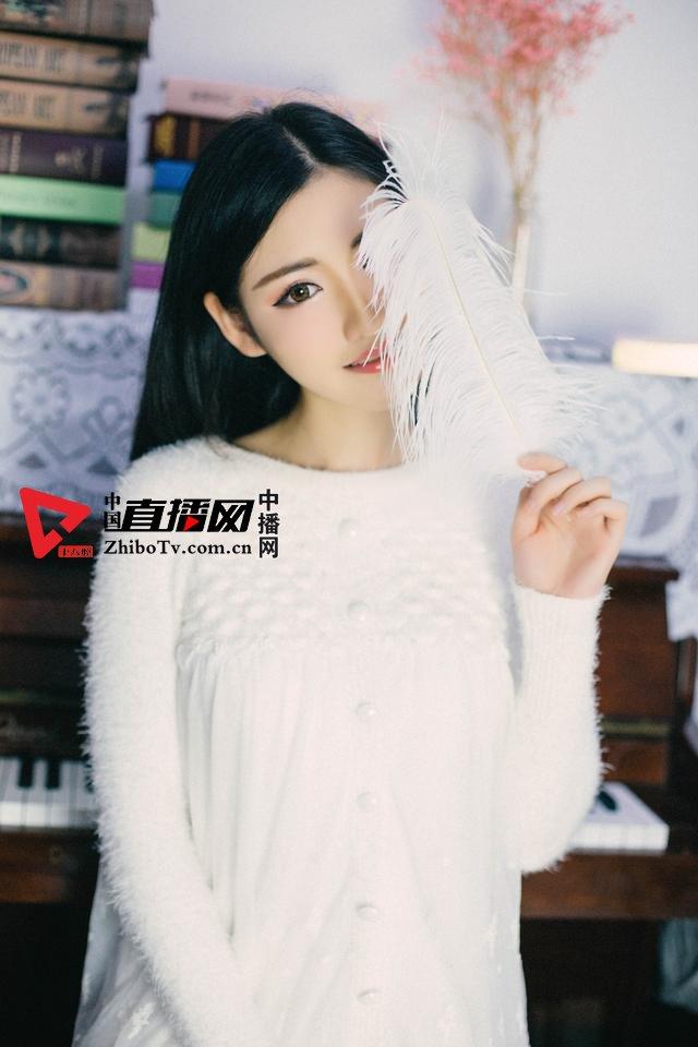 大白兔林夕的幻境写真《雪》摄影:冯丽林