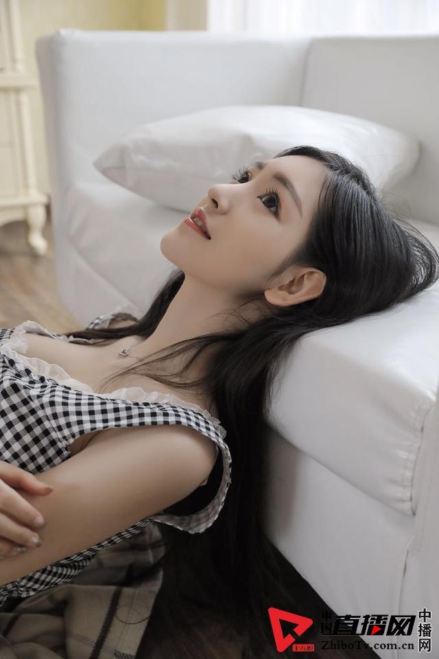 大白兔林夕的幻境写真《幼》摄影:冯丽林