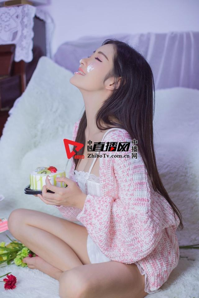 大白兔林夕的幻境写真《粉》摄影:冯丽林