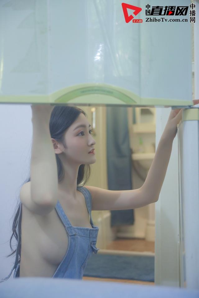 大白兔林夕的幻境写真《郁》摄影:冯丽林
