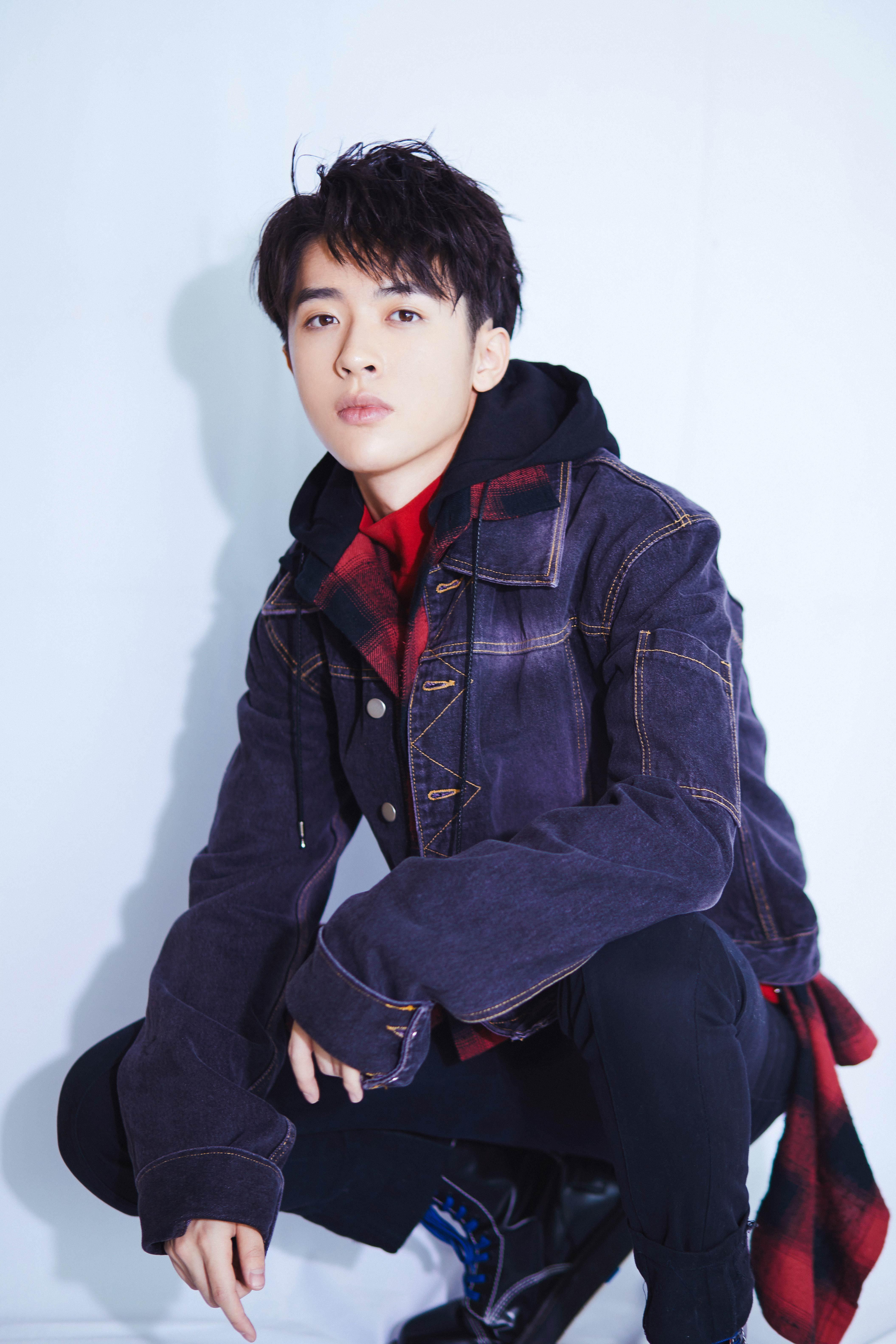 张逸杰《火王》发布会超有梗 明朗少年实力出演三世情缘