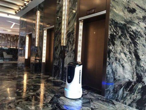 日本酒店解雇半数机器人,酒店机器人