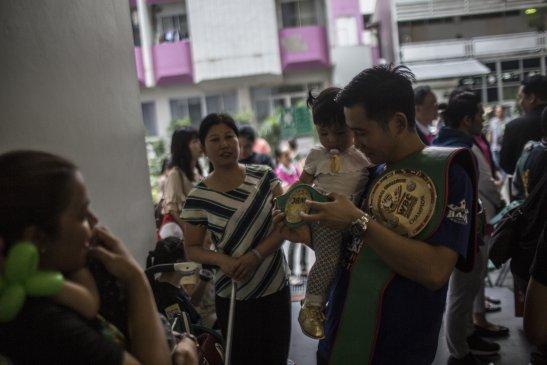 曼谷激战12年 河北小县走出的90后泰拳王