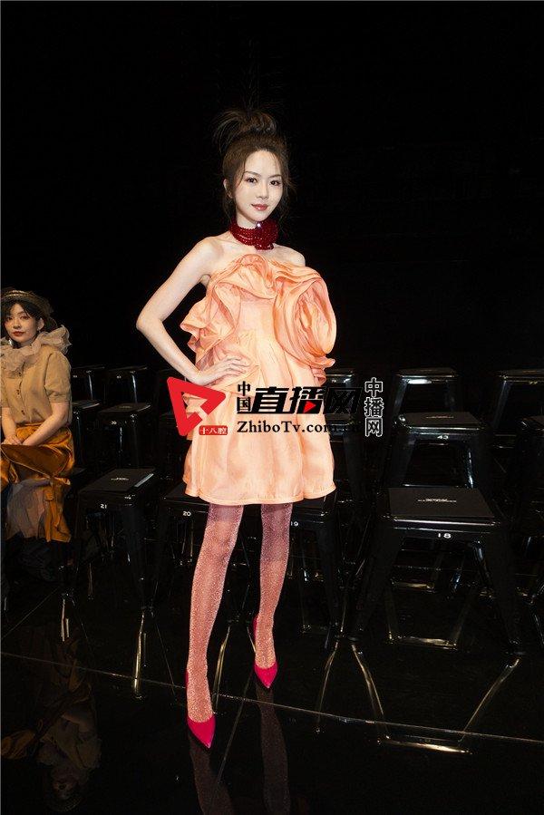 曾乐彤受邀出席纽约时装周压轴品牌秀