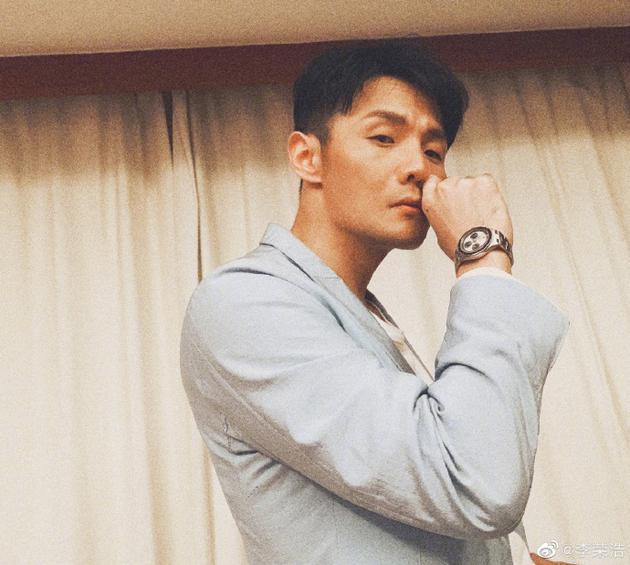 """李荣浩分享聚会拒酒小妙招:回答""""我不是男人"""""""