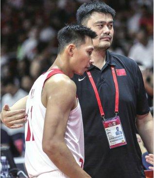 中国男篮无缘直通奥运 姚明赛后主动担责